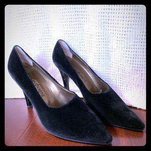 YSL Vintage Black Velvet Heels Pumps 80s/90s 10